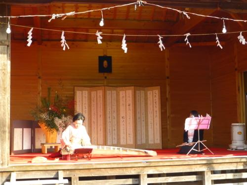 一條神社で琴