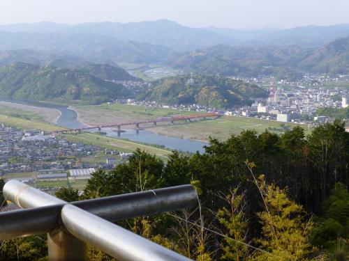香山寺から中村の街を見る