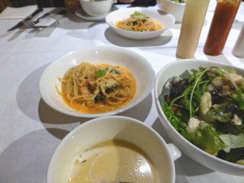オリエントホテル高知-ずわい蟹と春菊のスパゲティ