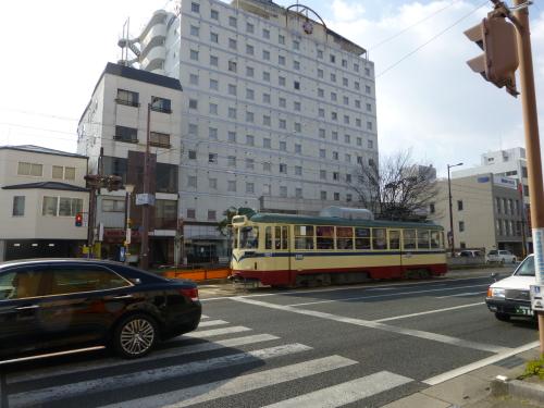 オリエントホテル高知と電車