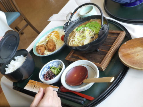 宮島SA「磯もみじ」牡蠣鍋と牡蠣フライ