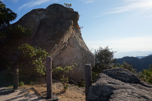 宮島、弥山(みせん)の奇岩
