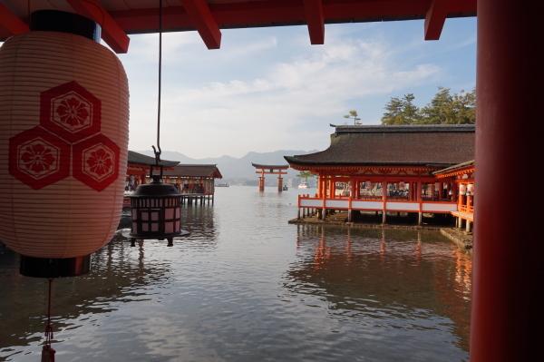 厳島神社から大鳥居を見て