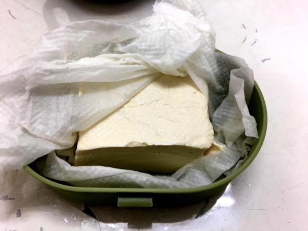 絹ごし豆腐がモッツアレラチーズに